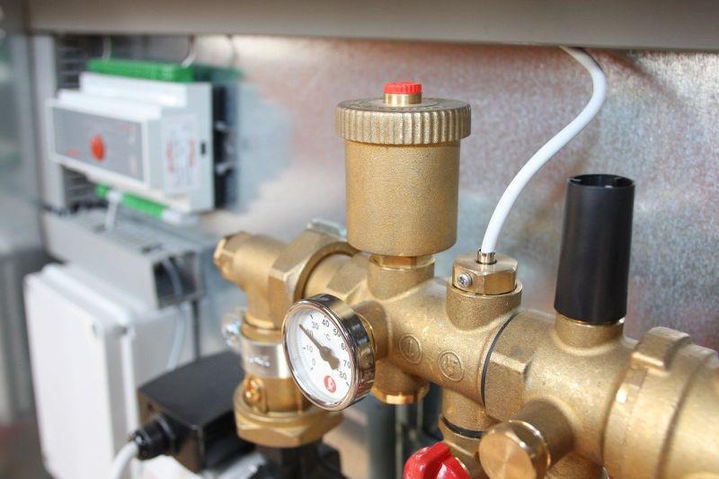 Kdaj je toplotna črpalka za sanitarno vodo smiselna izbira?